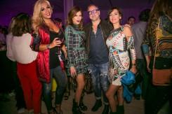 Rebeca Pous, Monica Hoyos y amistades