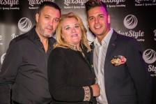 Alicia directora de Luxury Events acomapañada por sus dos amores.